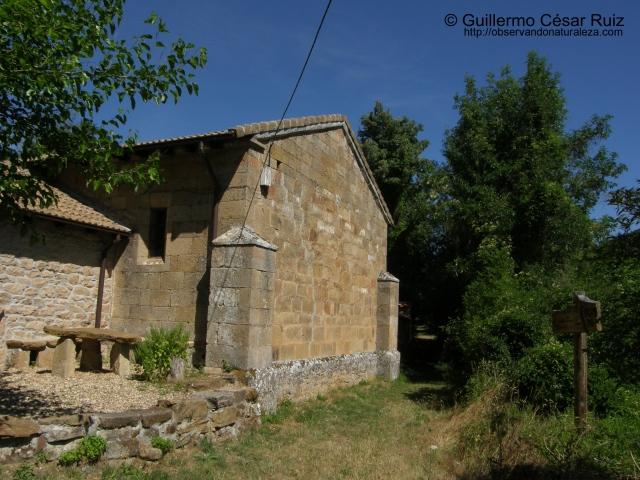 Iglesia de San Cristobal, área de descanso e inicio de ruta desde Bárcena de Ebro