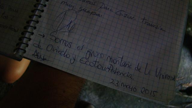 Firma libro visitas refugio Piedrafita