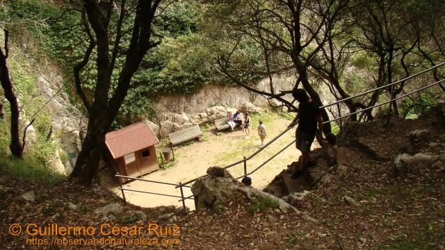 Bajada al Escañeru-Cueva El Pindal, Pimiangu, Ribedeva