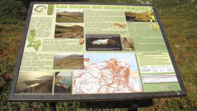 Panel informativo en la Hoya Corteguera, sendas Monte Candina