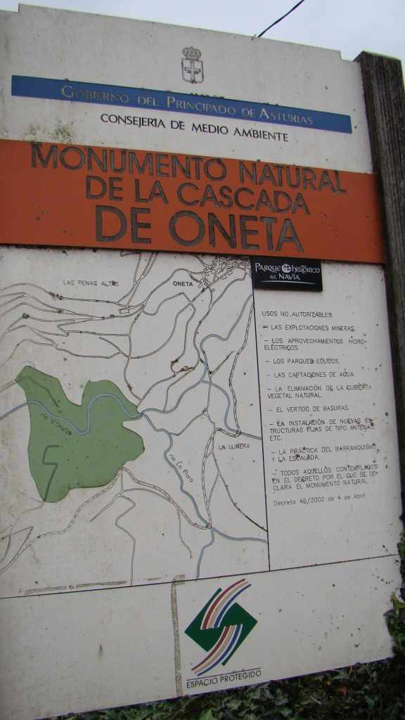 Panel Informativo Monumento Natural Cascada de Oneta