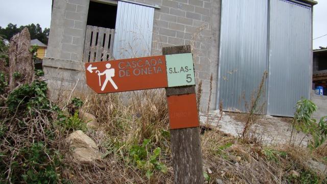 Señal ruta Cascada de Oneta