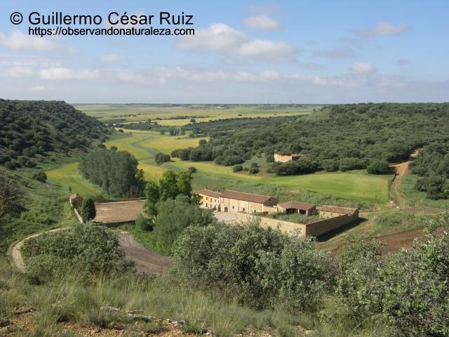 Caserío y palomar del Valle de San Juan