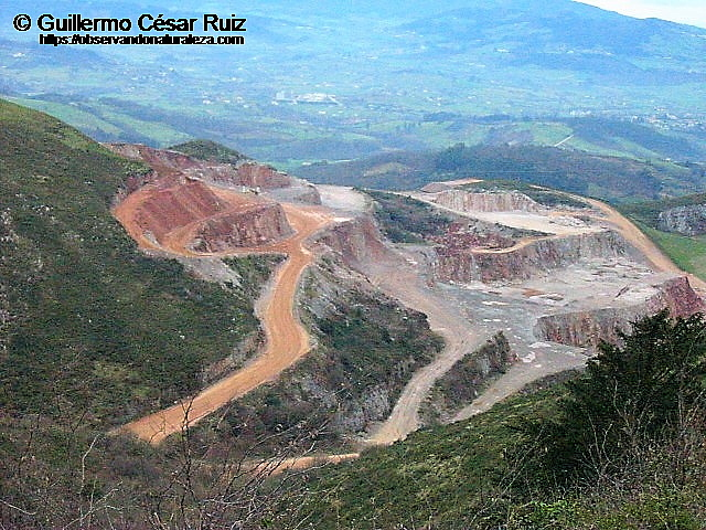 Cantera Arcelor-Mittal, S.A. en 2005 entre Cantu La Berruga o Berrugona y Picos Secos